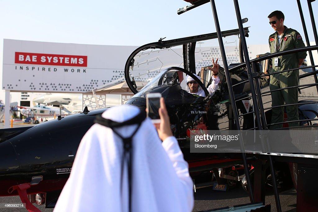 Day Two Of Dubai Air Show 2015 : News Photo