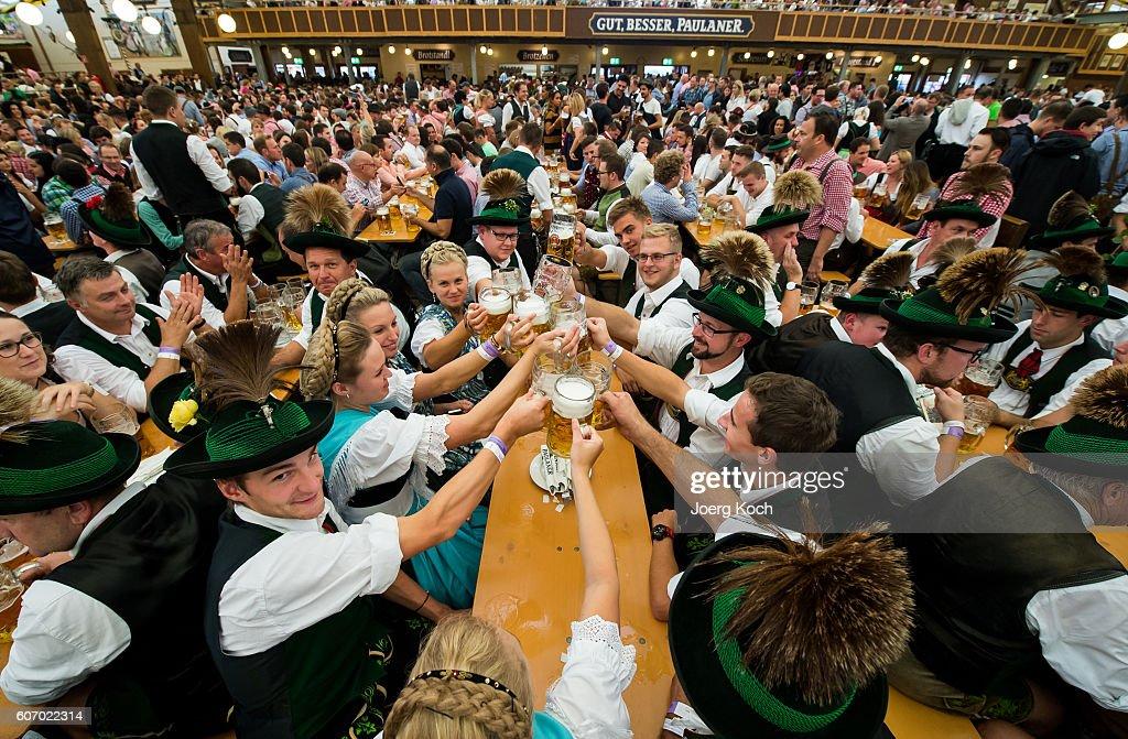 Opening Day - Oktoberfest 2016 : News Photo