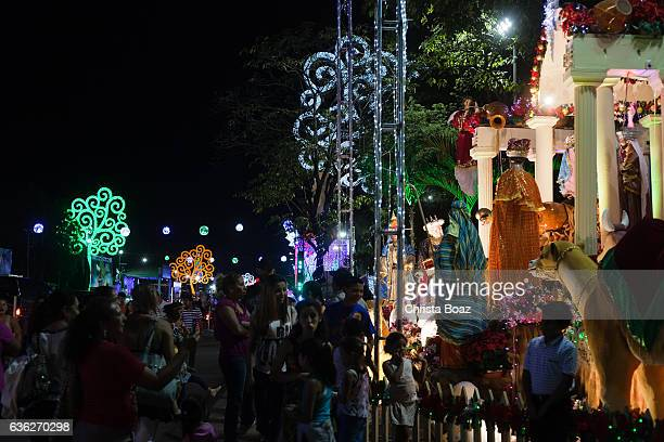 visitors at managua nativity set exchibit - managua stock pictures, royalty-free photos & images