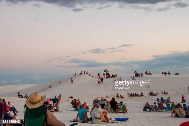 visitors at white sands national monument in new mexico - las cruces new mexico stock pictures, royalty-free photos & images
