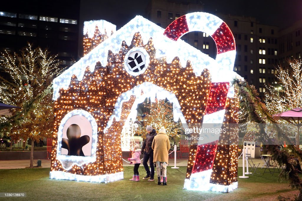 Holiday lights In Detroit : News Photo