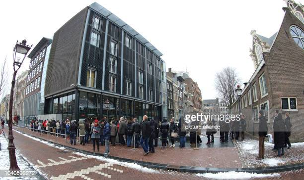 Visitors queue in front of Anne Frank House in Amsterdam The Netherlands 23 February 2013 PhotoJens Wolf | usage worldwide
