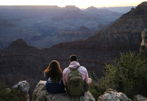 AZ: Grand Canyon Opens With Limited Capacity And Services On Weekends Amid Pandemic