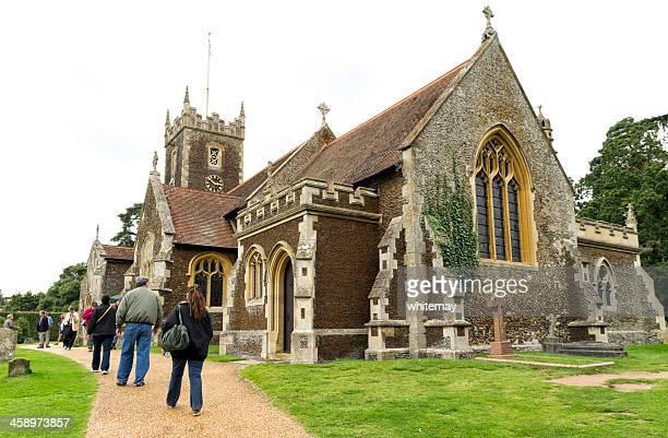 os visitantes de sandringham igreja - igreja de santa maria madalena norfolk - fotografias e filmes do acervo