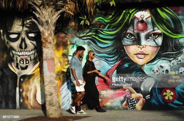Visitantes de Wynwood en Miami Art Basel