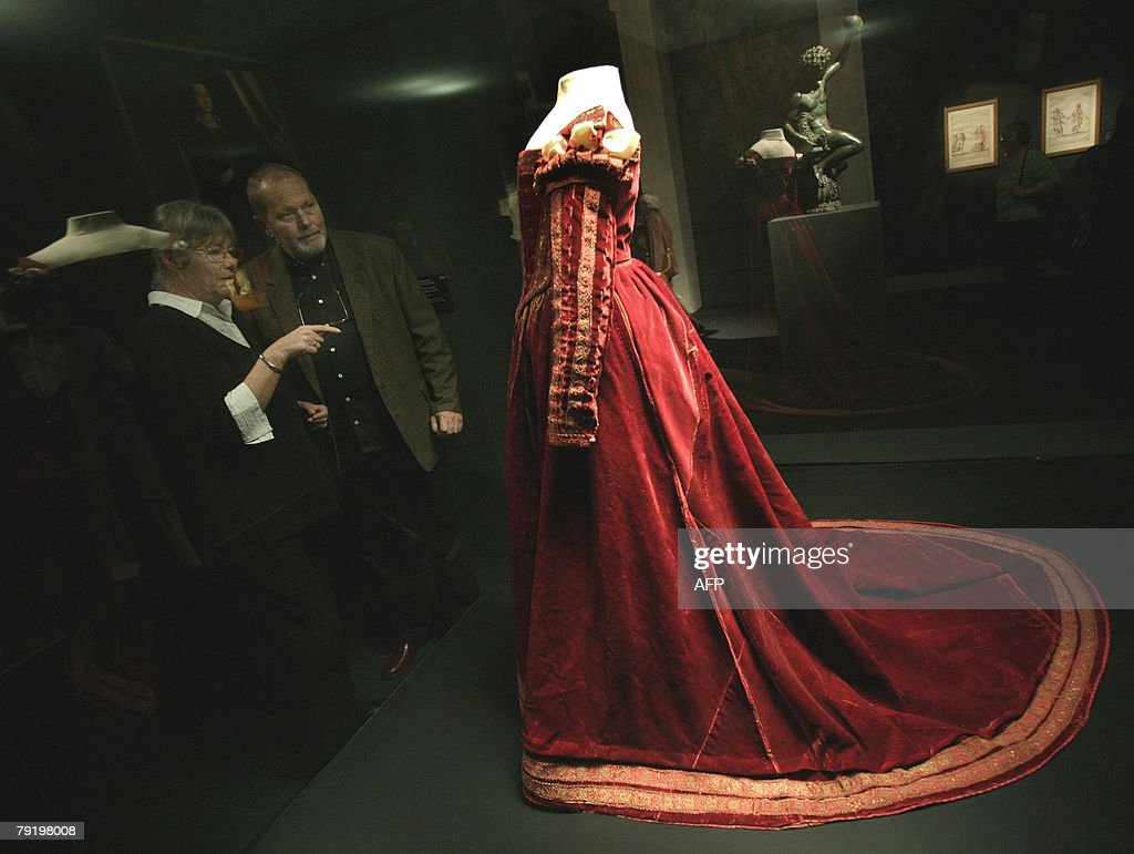 Visitors watch a Renaissance dress which is part of a large-scale exhibition entitled The Splendour of Medici-Art and Life in Renaissance Florence which opened 24 January 2008 at the Museum of Fine Arts in Budapest, to commemmorate the 550th anniversary of Matthias Corvinus as king of Hungary. The approximately two-hundred works displayed at the exhibition, provide visitors with an insight into the Medici patronage and art collection, as well as into the culture and life of the period defined by this family, which left the most visible mark on the golden age of Renaissance Florence.