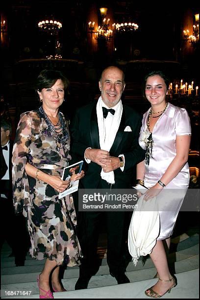 Visountand Visountess De La Grandiere and their daughter Arop gala at the Garnier opera with a ballet representation by John Neumeier 'La Dame Aux...