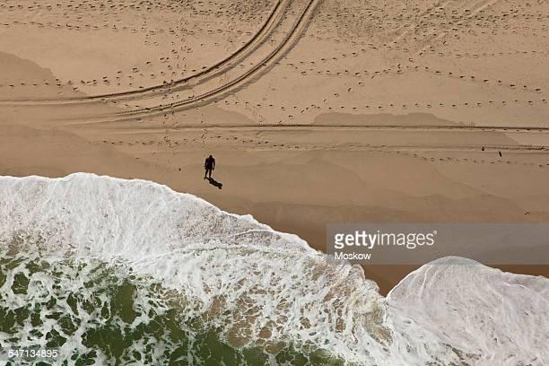 vista aérea da praia da reserva - vista aérea stock pictures, royalty-free photos & images