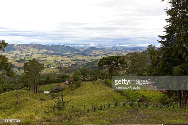 vista aérea da serra da mantiqueira - minas gerais - vista aérea stock pictures, royalty-free photos & images