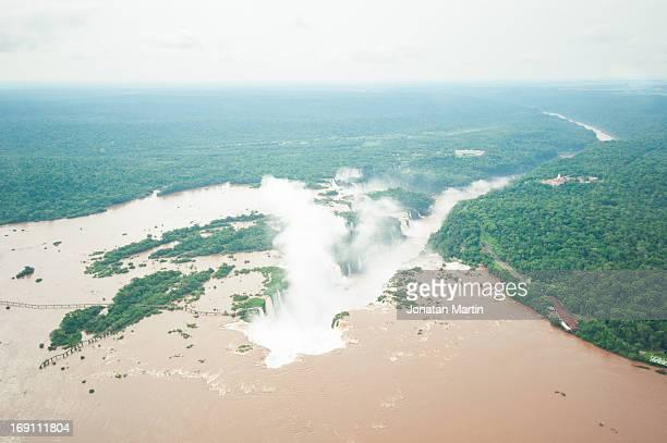 vista aérea de la garganta del diablo - vista aérea stock pictures, royalty-free photos & images