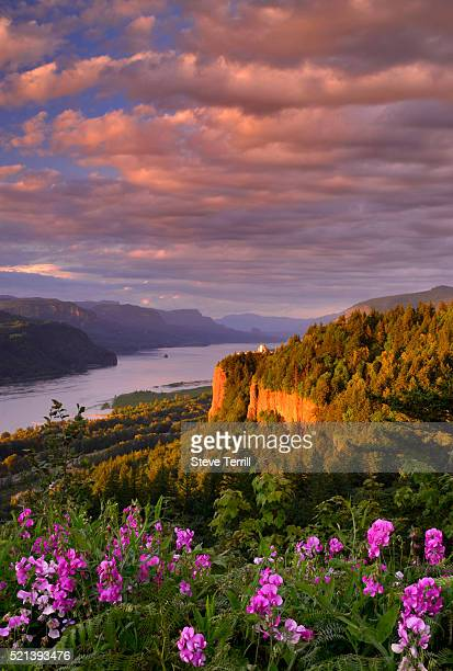 vista house & gorge - columbia river gorge stock pictures, royalty-free photos & images