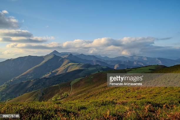 vistas pico trapa - trapa stock pictures, royalty-free photos & images