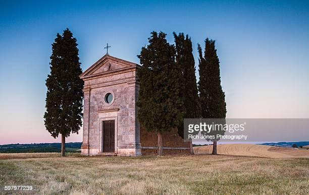 vitaleta chapel, tuscany - capella di vitaleta stock pictures, royalty-free photos & images