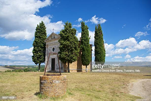 vitaleta chapel, val d'orcia, tuscany - capella di vitaleta stock pictures, royalty-free photos & images