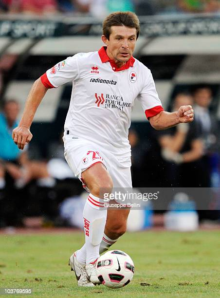 Vitali Kutuzov of Bari in action during the Serie A match between Bari and Juventus at Stadio San Nicola on August 29, 2010 in Bari, Italy.