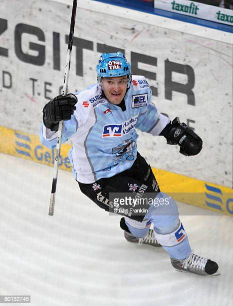 Vitalij Aab of Hamburg celebrates scoring his goal during the DEL match between Hannover Scorpions and Hamburg Freezers at the TUI Arena on March 05...