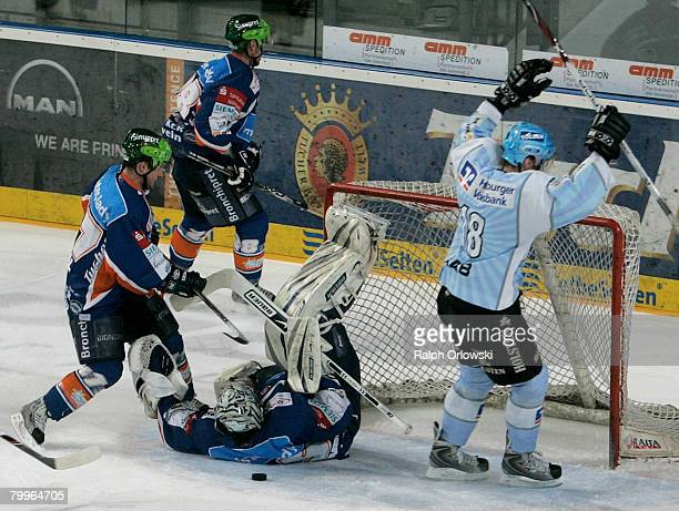 Vitalij Aab of Hamburg celebrates their goal against Nuremberg during the DEL match between Sinupret Ice Tigers and Hamburg Freezers at the Arena...