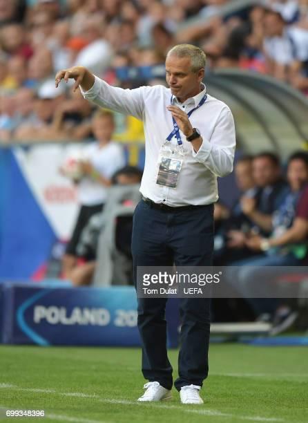 Vitezslav Lavicka coach of Czech Republic gives his team instructions during the UEFA European Under21 Championship Group C match between Czech...