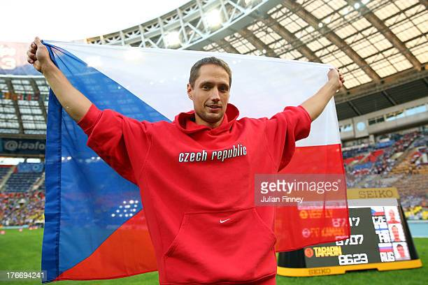 Vitezslav Vesely of the Czech Republic celebrates winning gold the Men's Javelin final during Day Eight of the 14th IAAF World Athletics...