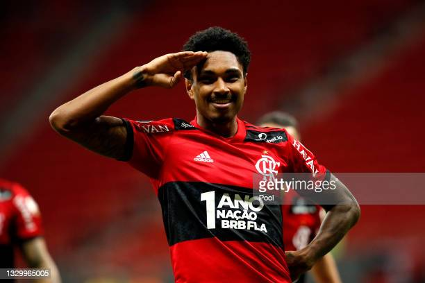 Vitinho of Flamengo celebrates after scoring the third goal of his team during a round of sixteen second leg match between Flamengo and Defensa y...