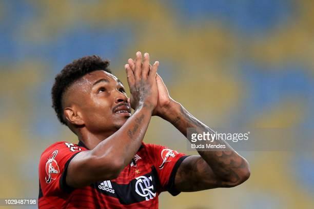 Vitinho of Flamengo gestures during a match between Flamengo and Chapecoense as part of Brasileirao Series A 2018 at Maracana Stadium on September 8...