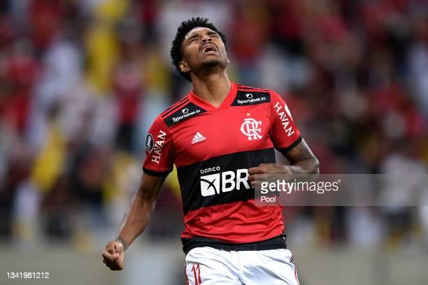 Vitinho of Flamengo reacts during a semi final first leg match between Flamengo and Barcelona SC as part of Copa CONMEBOL Libertadores 2021 at...