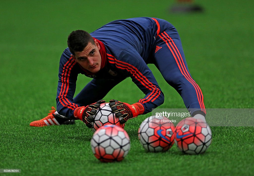 Vito Mannone goes through keeping drills during a Sunderland AFC training session at the Academy of Light on January 07, 2016 in Sunderland, England.