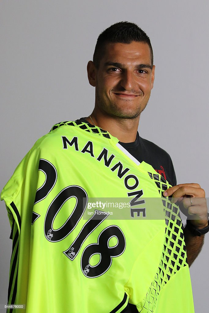 Vito Mannone Signs a New Two Year Contract with Sunderland