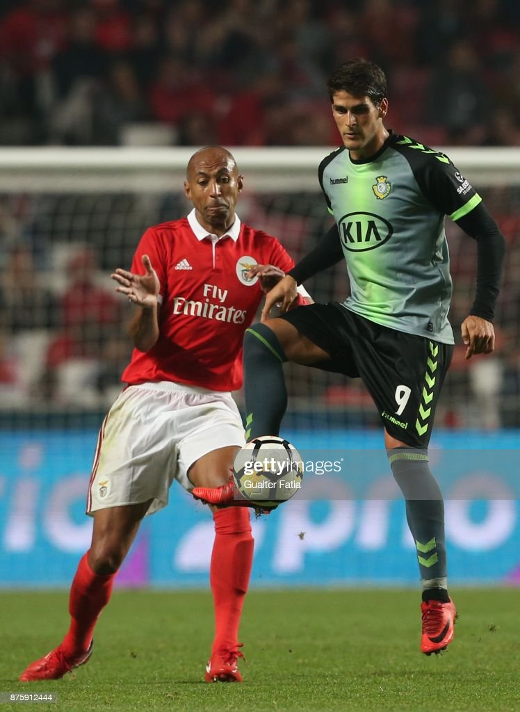 Vitoria Setubal forward Goncalo Paciencia from Portugal with SL Benfica defender Luisao from Brazil in action during the Portuguese Cup match between SL Benfica and Vitoria Setubal at Estadio da Luz on November 18, 2017 in Lisbon, Portugal.