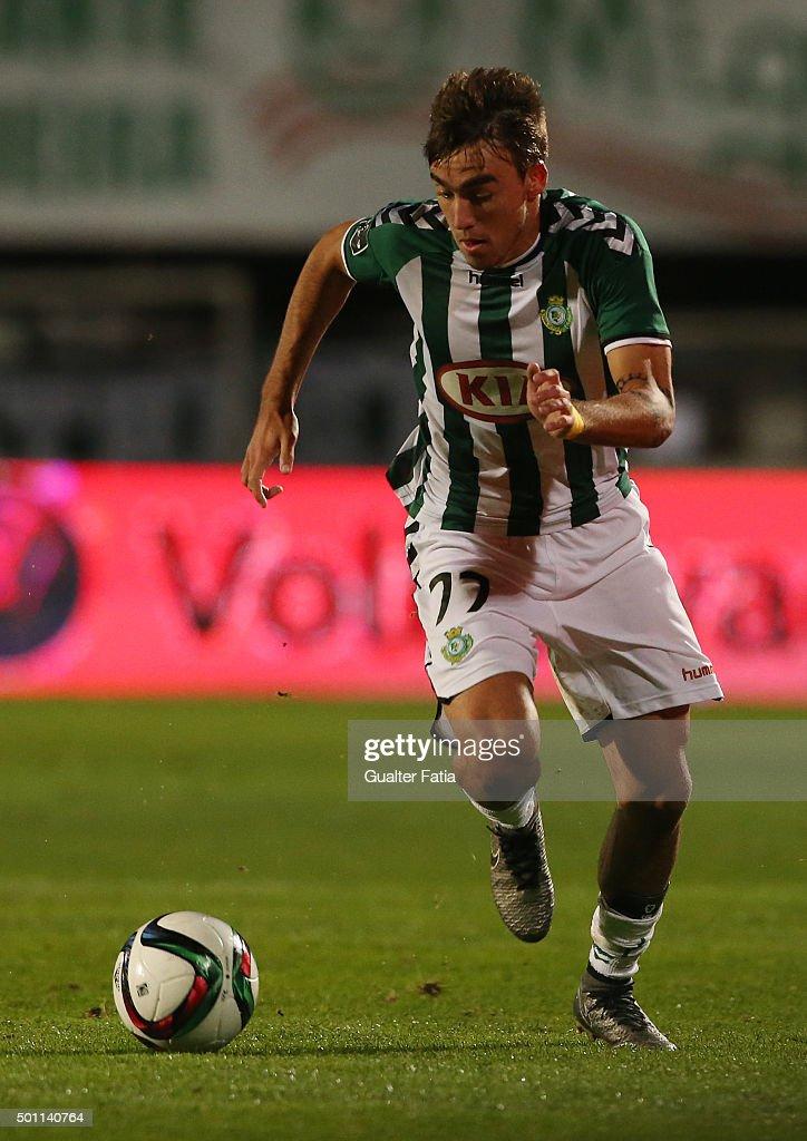 Vitoria Setubal's midfielder Andre Horta in action during the Primeira Liga match between Vitoria Setubal and SL Benfica at Estadio do Bonfim on December 12, 2015 in Setubal, Portugal.