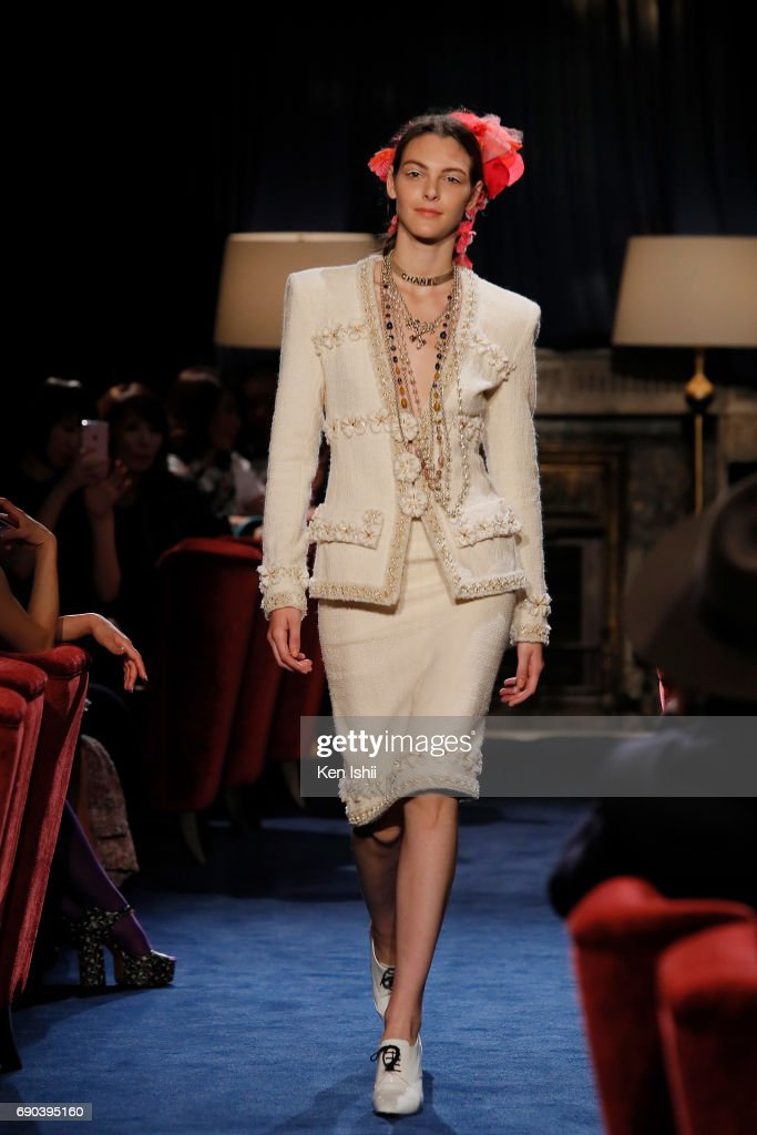 Vittoria Ceretti showcases designs by CHANEL on the runway during the CHANEL Metiers D'art Collection Paris Cosmopolite show at the Tsunamachi Mitsui Club on May 31, 2017 in Tokyo, Japan.