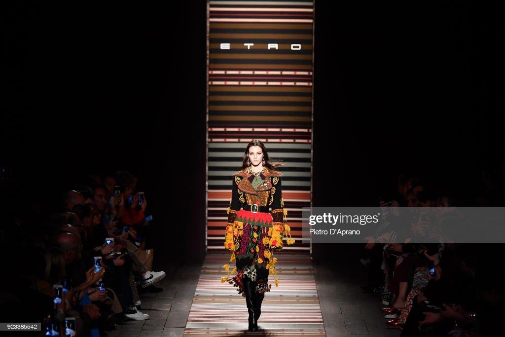Etro - Runway - Milan Fashion Week Fall/Winter 2018/19 : ニュース写真