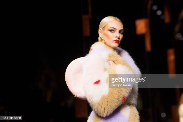 Vittoria Ceretti walks the runway at the Fendi fashion show during the Milan Fashion Week - Spring / Summer 2022 on September 22, 2021 in Milan,...
