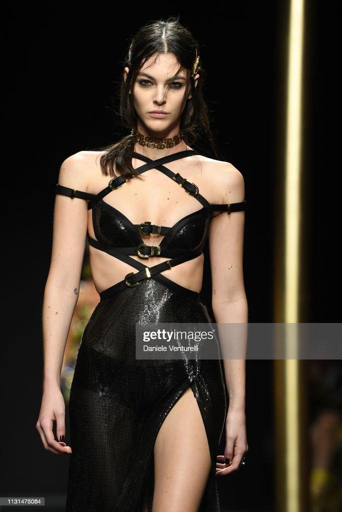 Versace - Runway: Milan Fashion Week Autumn/Winter 2019/20 : ニュース写真