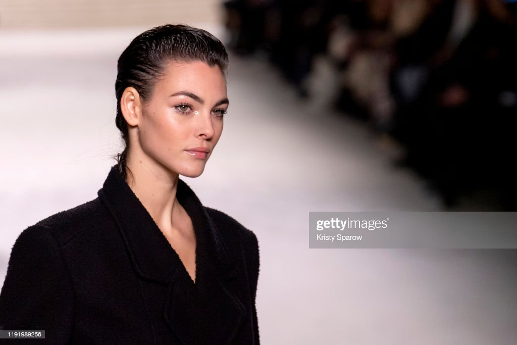 Chanel Metiers D'Art 2019-2020 : Runway At Le Grand Palais In Paris : ニュース写真