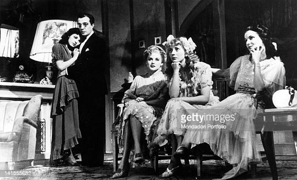Vittorio De Sica Anna Proclemer Maria Mercader Valentina Cortese and Dina Sassoli performing 'Time and the Conways' by John Boynton Priestley...