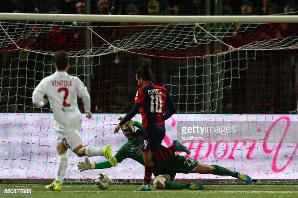 Vittorio Esposito of SS Sambenedettese conquers the penalty during the Lega Pro 17/18 group B match between Teramo Calcio 1913 and SS Sambenedettese...