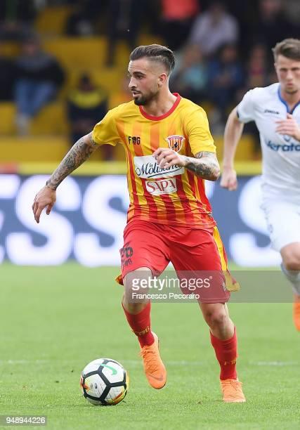 Vittorio Parigini of Benevento Calcio in action during the serie A match between Benevento Calcio and Atalanta BC at Stadio Ciro Vigorito on April 18...