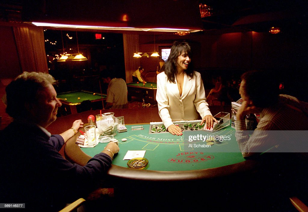 Cameron moves against gambling machines