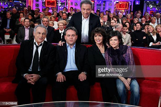 'Vivement Dimanche' Tv Show In Paris, France On February 11, 2009 - Michel Drucker;Francis Perrin;Xavier Bertrand;Stephanie Fugain;Charlotte Valandrey