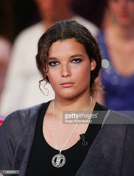 'Vivement Dimanche' Tv Show In Paris France On May 14 2008 Marie Tabarly