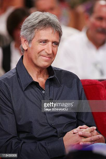 'Vivement Dimanche' Tv Show In Paris France On September 09 2009 Yves Duteil