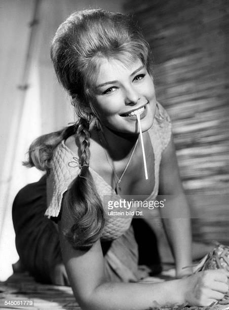 Vivi Bach *1939 Singer Actress Moderator Denmark Portrait 1962