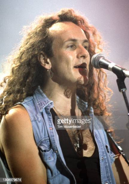 Vivian Campbell of Def Leppard performs at Shoreline Amphitheatre on July 7, 1993 in Mountain View, California.