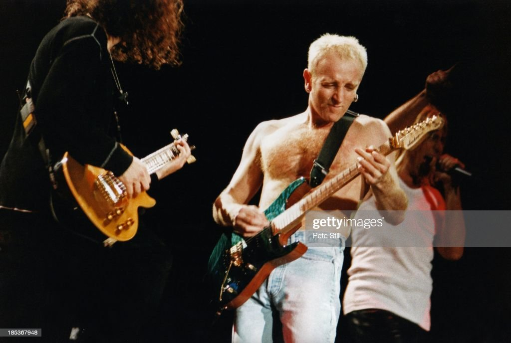 Def Leppard Perform At Birmingham NEC In 1996 : News Photo