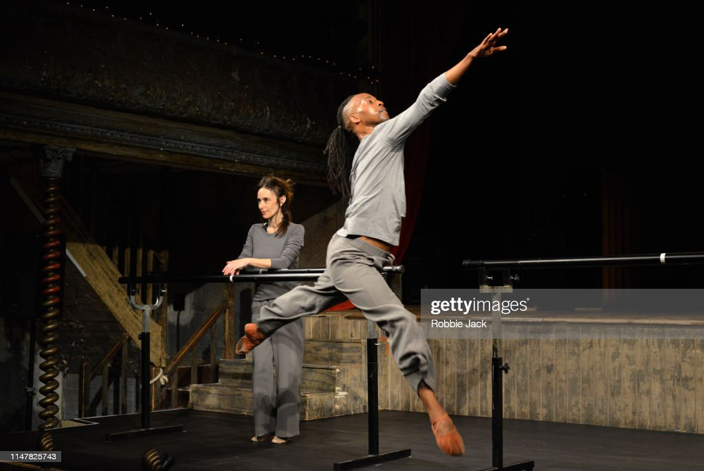 Viviana Durante Company Performs Three, 8:38 and Seven : News Photo