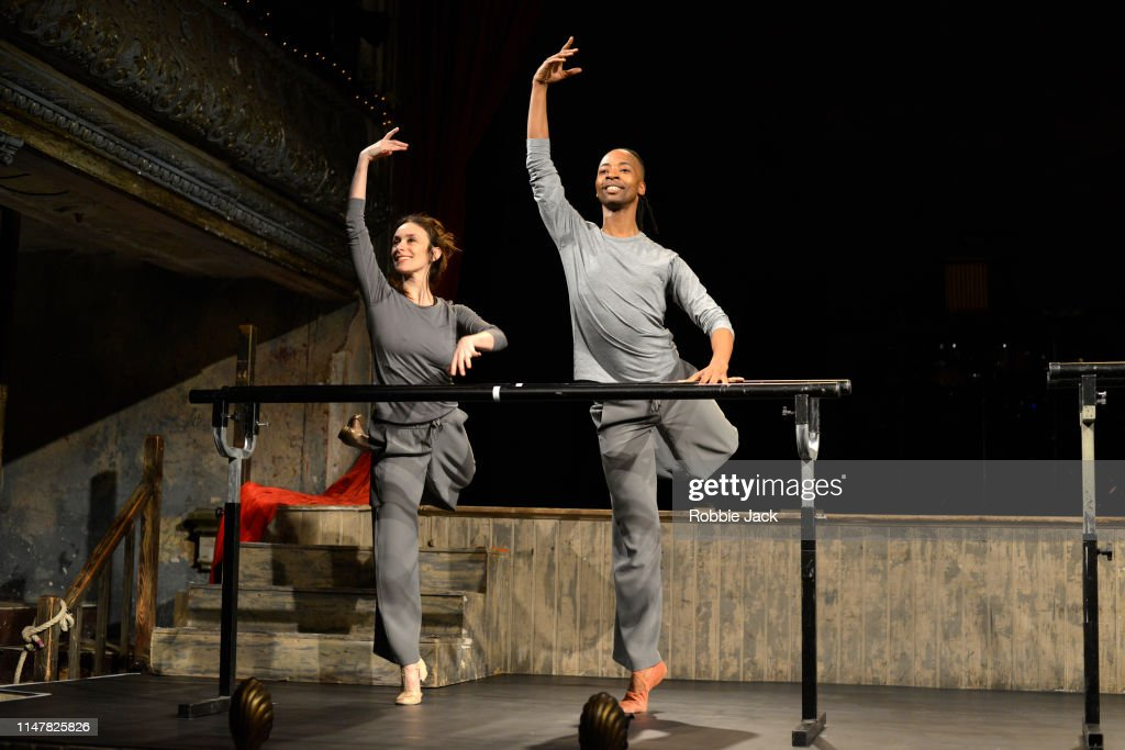 Viviana Durante Company Performs Three, 8:38 and Seven : News Photo