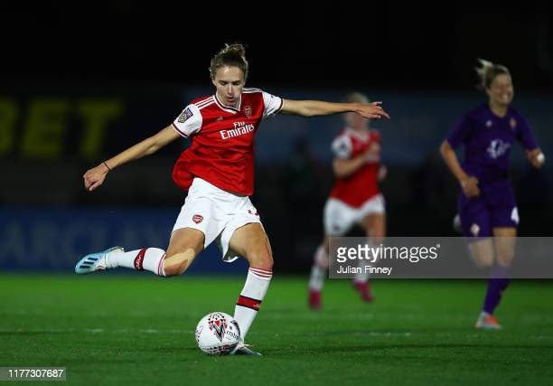 Vivianne Miedema of Arsenal in action during the UEFA Women's Champions League match between Arsenal Women and Fiorentina Women at Meadow Park on...