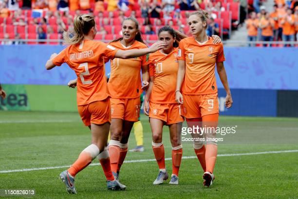 Vivianne Miedema of Holland Women Celebrates 1-0 with Lieke Martens of Holland Women, Danielle van de Donk of Holland Women, Desiree van Lunteren of...