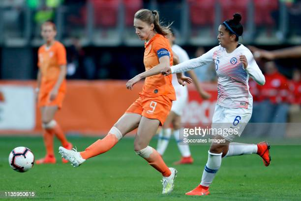 Vivianne Miedema of Holland Women Claudia Soto of Chili Women during the International Friendly Women match between Holland v Chile at the AFAS...